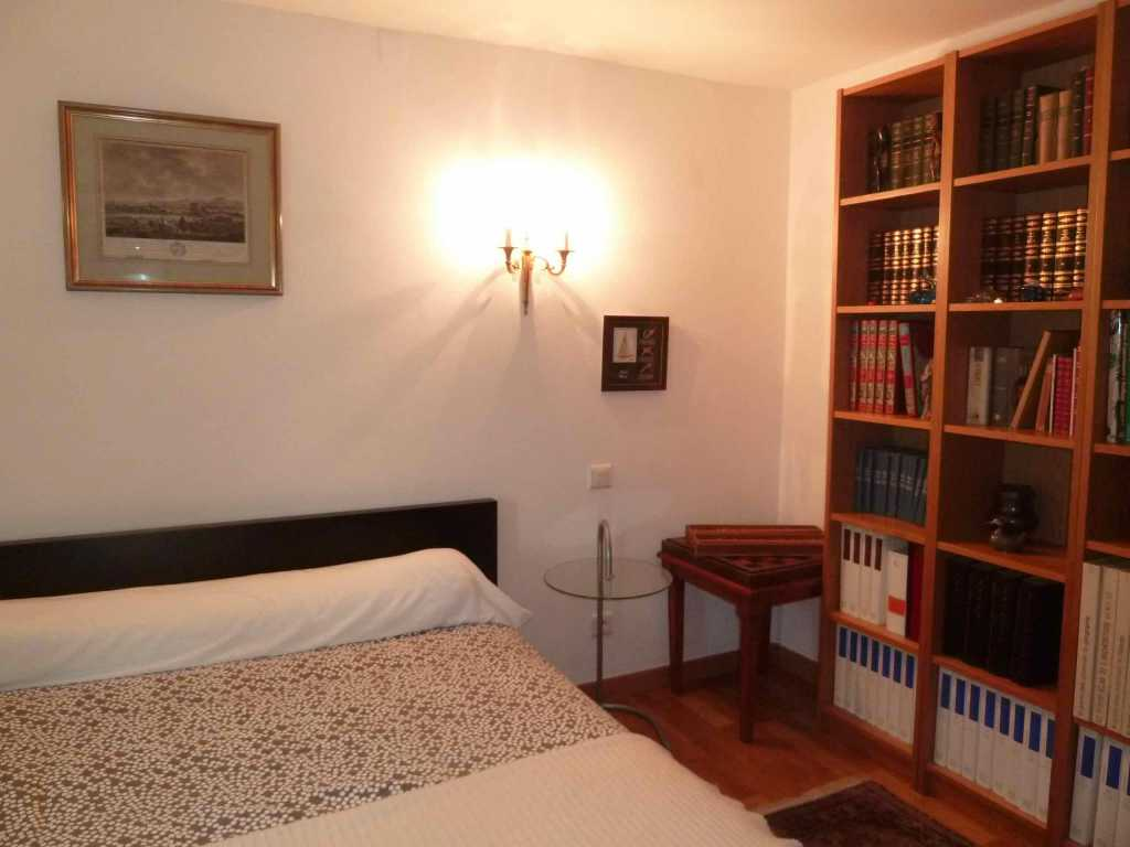Chambre 2 Pers Rez-de-chaussée 18 m2 TOULOUSE Rue Bel Air Proche centre Métro B François Verdier (130) - P1060172.jpg