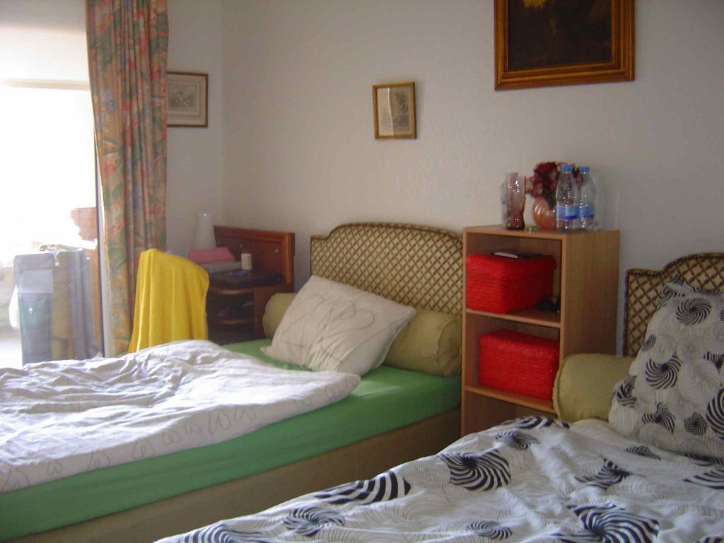 Chambre 2 Pers Rez-de-chaussée 16 m2 TOULOUSE rue de La Passerelle Proche centre Métro B Canal du midi (139) - 4909eed3d0d13.jpg