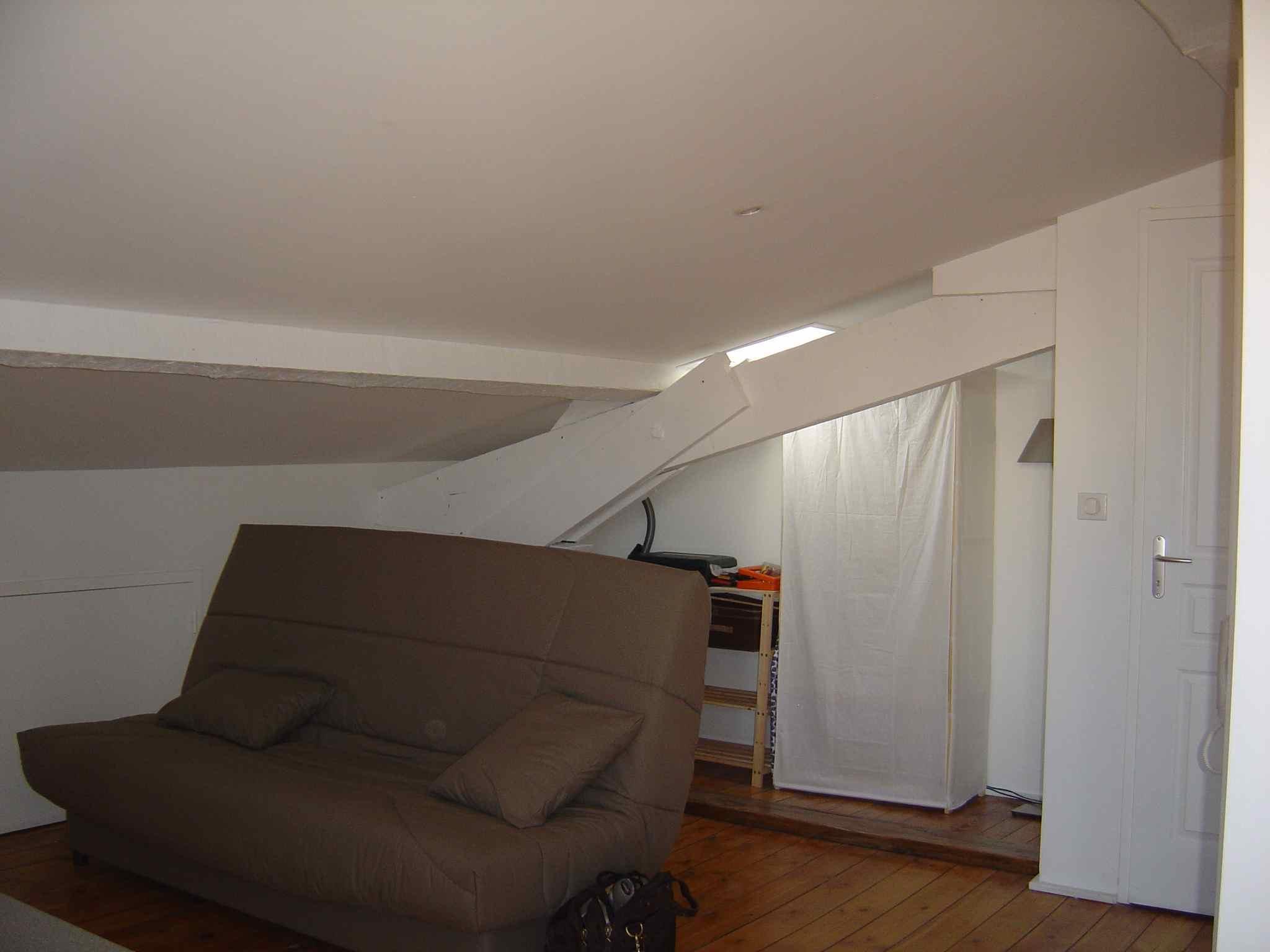 Studio 3ème étage 15 m2 TOULOUSE boulevard Matabiau Proche centre Métro A Marengo SNCF (99) - DSC06046.jpg